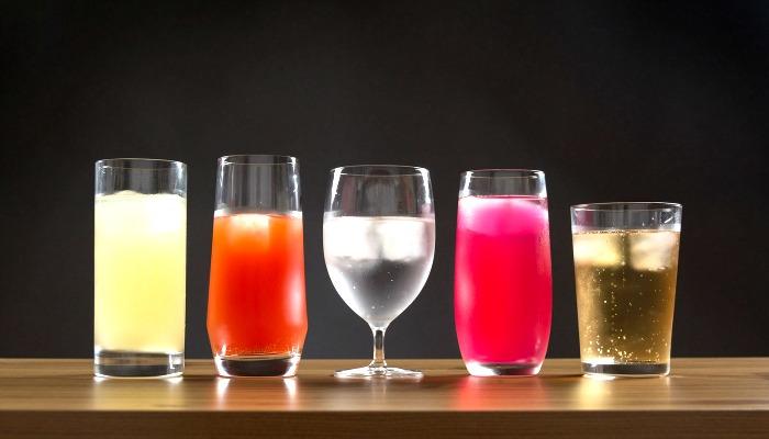 Стаканы с напитками для конкурса