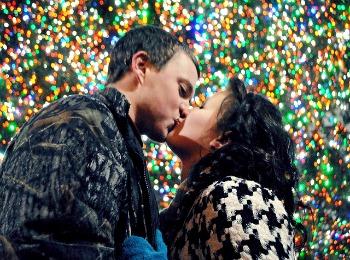 Поцелуй под новогодней ёлкой