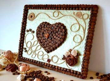 Картина с сердцем из кофейных зерен