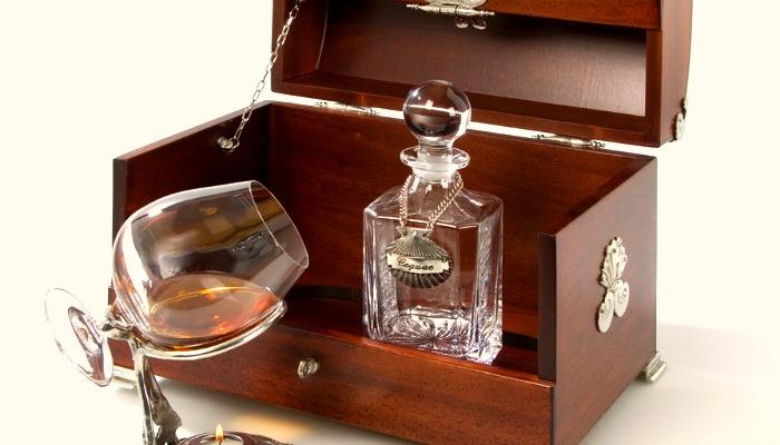 nabor-dlya-koniaka Что подарить мужчине - идеи оригинальных подарков