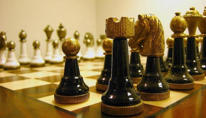 Набор шахматных фигур ручной работы