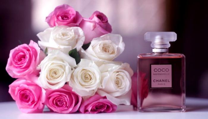 Букет и парфюмерия для подарка