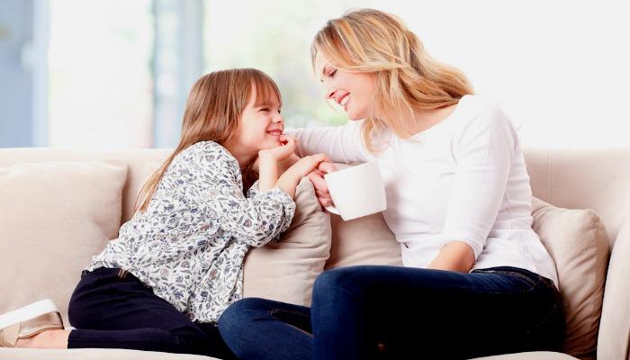 Дочь с матерью