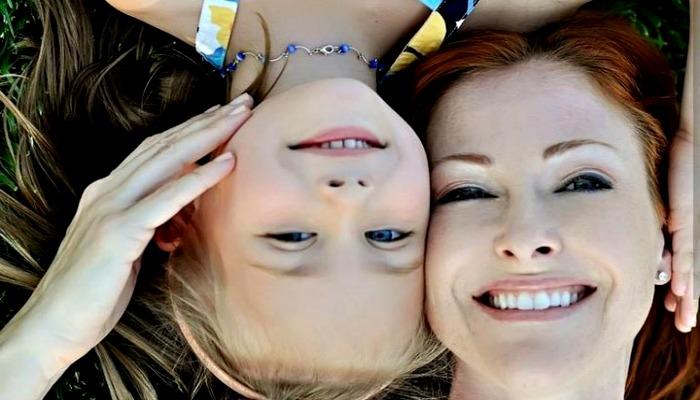 Прикольная фотография мамы с маленькой дочуркой